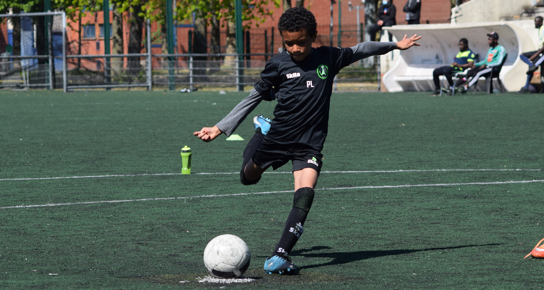 Le Paris 13 Atletico organise un stage de foot école de foot ouvert à tous (U8 à U13), du mercredi 7 au mardi 13 juillet !